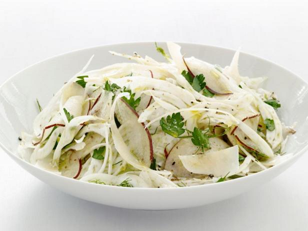 Фотография блюда - Салат с грушей и фенхелем