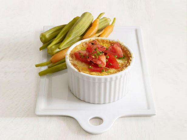 Фотография блюда - Кукурузное суфле с сыром и свежими помидорами