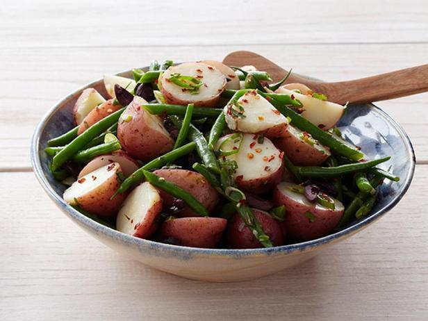 Фотография блюда - Салат с картофелем и стручковой фасолью