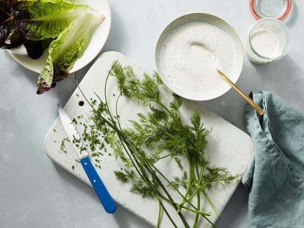 Фотография блюда - Пикантный соус «Ранч»