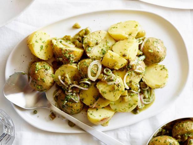 Фотография блюда - Салат с печеным картофелем