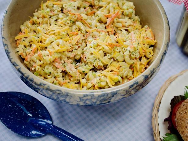Фотография блюда - Салат с макаронами