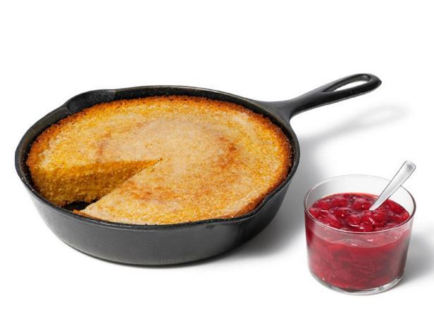 Фотография блюда - Кукурузный хлеб и клубничный джем