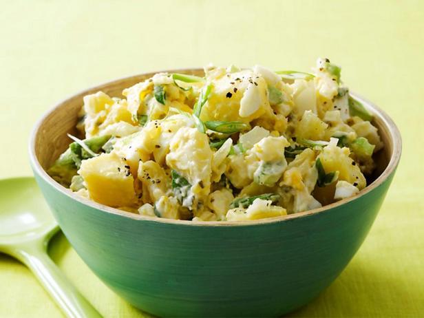 Фотография блюда - Картофельный салат - классический