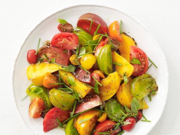 Фотография блюда - Томатный салат