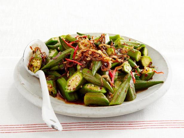 Фотография блюда - Бамия, жареная в воке с пастой чили