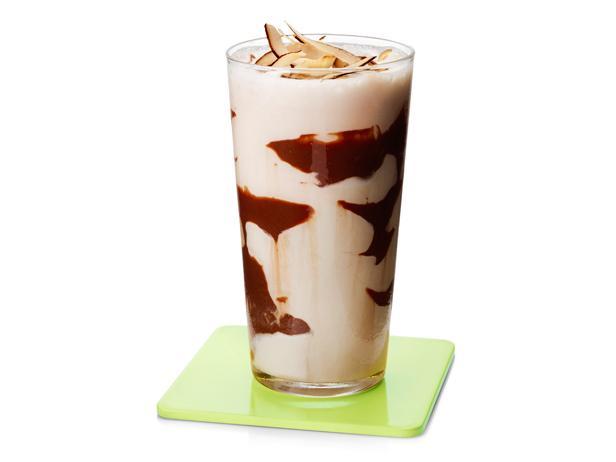 37. Кокосовый коктейль с горячим шоколадом