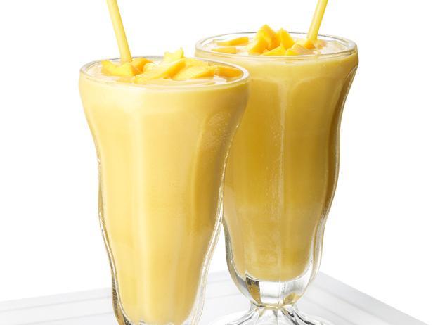 19. Молочный коктейль с манго и йогуртом