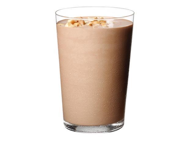 27. Шоколадный коктейль с арахисовой пастой