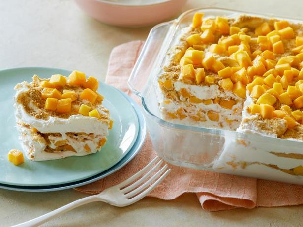 Фотография блюда - Десерт «Манго Флоат»