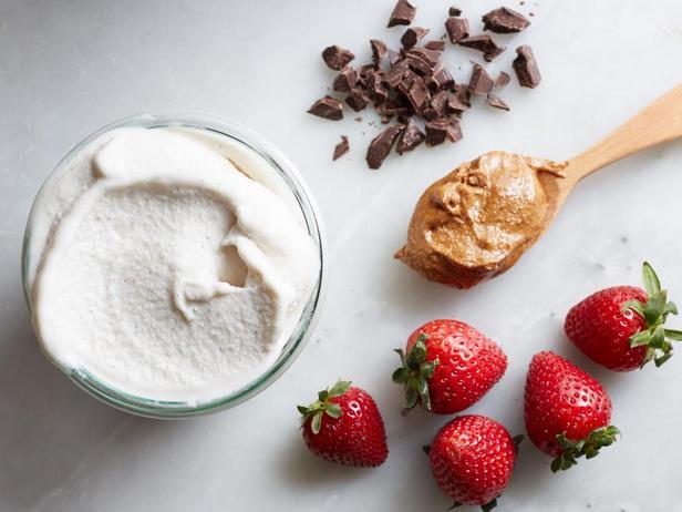Фотография блюда - Веганское ванильное мороженое