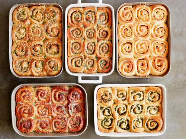 Фото 5 рецептов несладких булочек улиток к завтраку