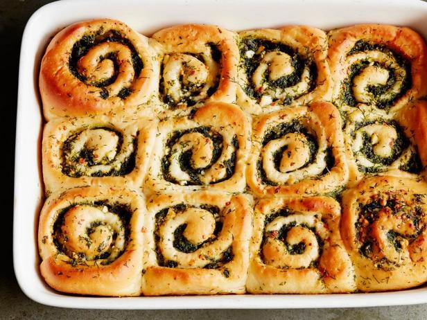 Фото блюда - Булочки со шпинатом и сыром