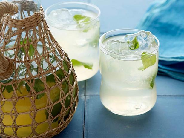Фотография коктейля - Мятный лимонад с ромом