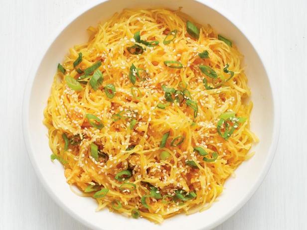 Фото Тыква спагетти с имбирём и зелёным луком