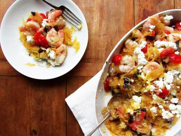 Фотография блюда - Тыква-спагетти с креветками по-гречески