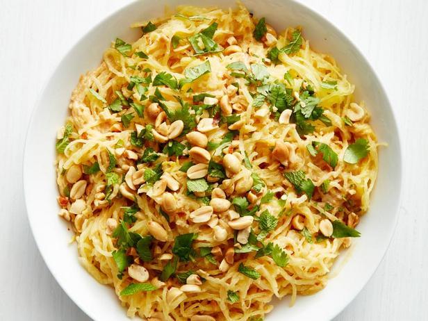 Фотография блюда - Тыква-спагетти с арахисовым соусом