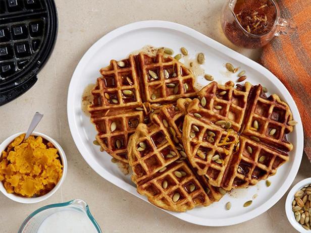 Фотография блюда - Тыквенные вафли с апельсиновым сиропом