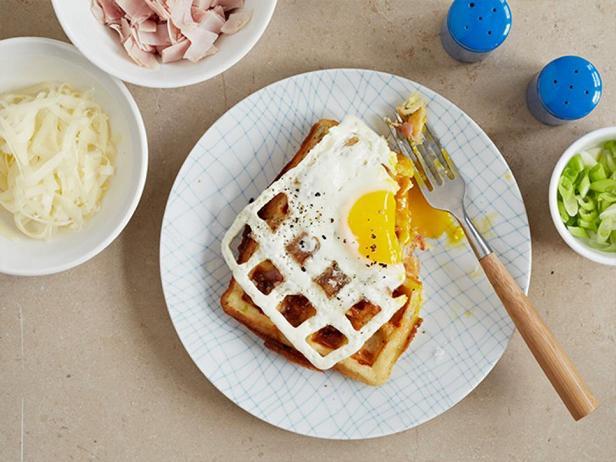 Фотография блюда - Сырные вафли с яйцом