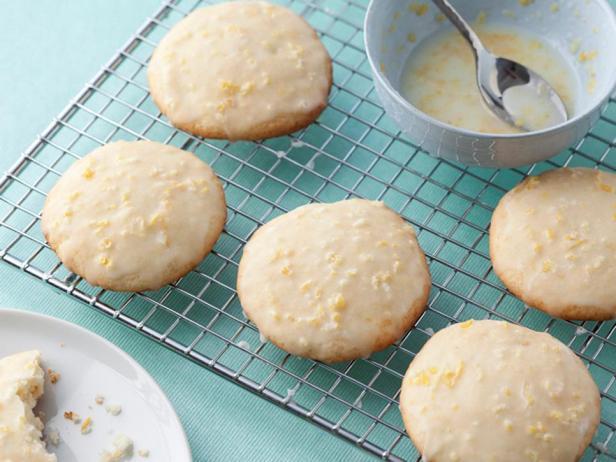 Фотография блюда - Лимонное печенье с рикоттой и лимонной глазурью