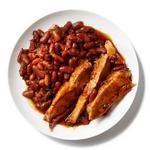Свиной окорок с фасолью в соусе барбекю в мультиварке