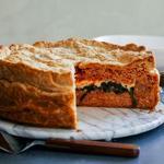 Пирог из слоёного теста с начинкой из пасты капеллини
