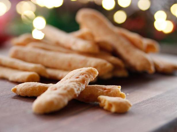 Фото Сырные палочки с кайенским перцем