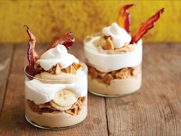 Фотография блюда - Парфе с арахисовой пастой «Элвис»