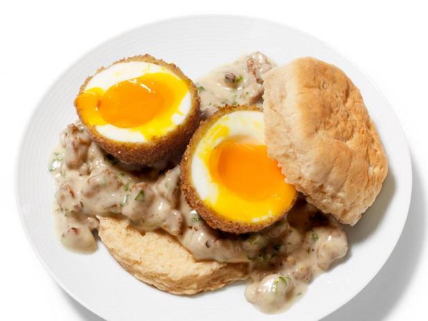 Фотография блюда - Яйца под мясным соусом жареные во фритюре