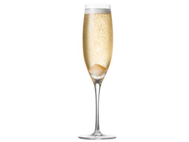 Фотография блюда - Крюшон (коктейль из шампанского)
