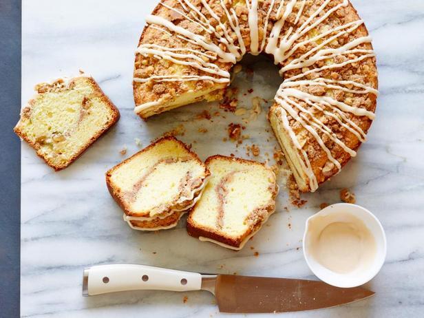Фотография блюда - Кекс с ореховой посыпкой