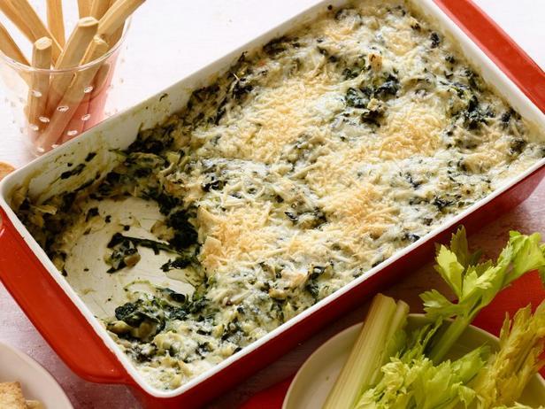 Фотография блюда - Соус дип из артишоков, шпината и горгонзолы