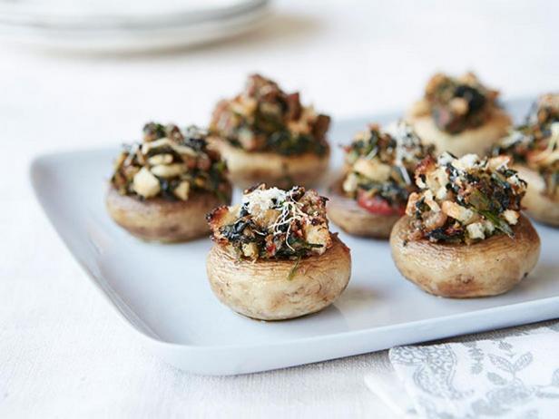 Фотография блюда - Грибы, фаршированные свиным фаршем и овощами
