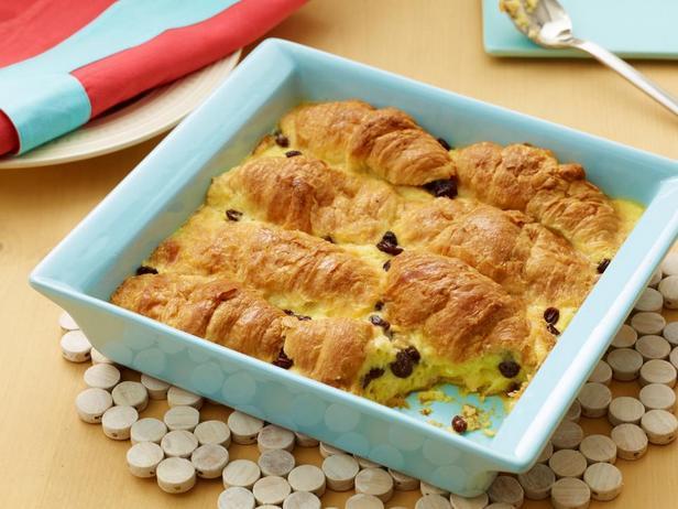 Фотография блюда - Хлебный пудинг из круассанов