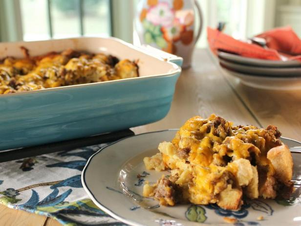Фотография блюда - Кассероль из свиной колбасы к завтраку