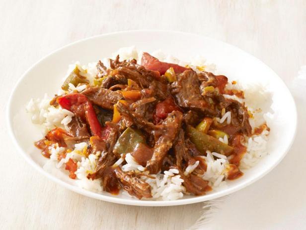 Фотография блюда - Тушеная говядина «Ропа вьеха»