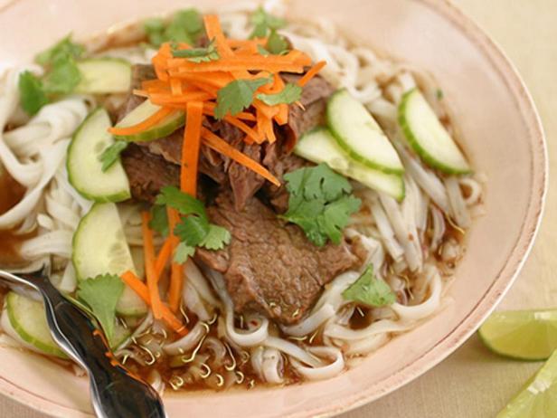 Фотография блюда - Суп из говяжьих рёбер по-корейски в медленноварке