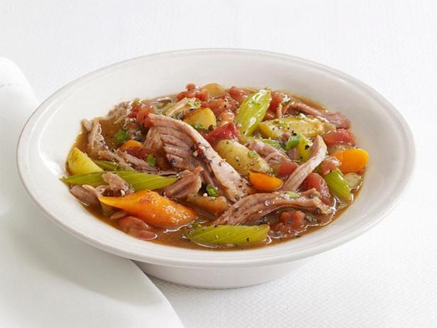Фотография блюда - Рагу из свинины в медленноварке