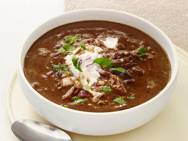 Фотография блюда - Фасолевый суп с индейкой в мультиварке