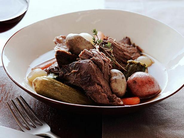 Фотография блюда - Тушёное мясо с мелкими овощами