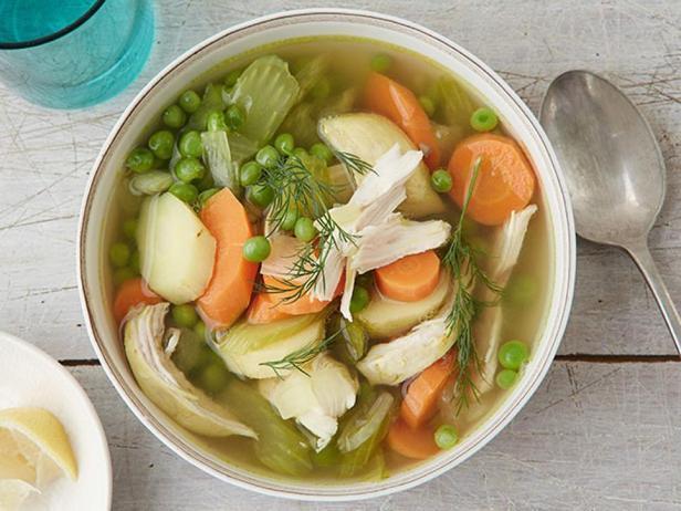 Фотография блюда - Куриный суп с карри в мультиварке