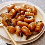 Ньокки из батата под соусом из коричневого сливочного масла, кленового сиропа, корицы и шалфея