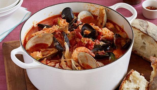 Фото Суп из морепродуктов с фенхелем «Чоппино»