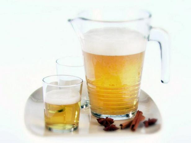 Фото Пряное пиво с анисом и корицей
