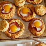 Сырное печенье «Яичница в лунке»