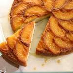 Пирог перевертыш с карамельными персиками