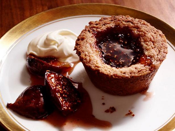 Фото Тарталетки из коричневого масла с инжиром