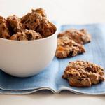 Печенье с овсяными хлопьями, сухофруктами, орехами и кусочками шоколада