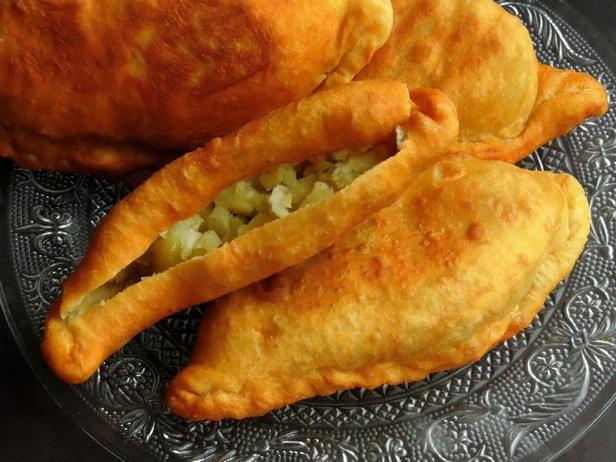 Фото Алу пай – пирожки с картошкой и зелёным горошком
