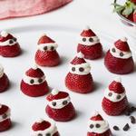Санта-Клаусы из клубники